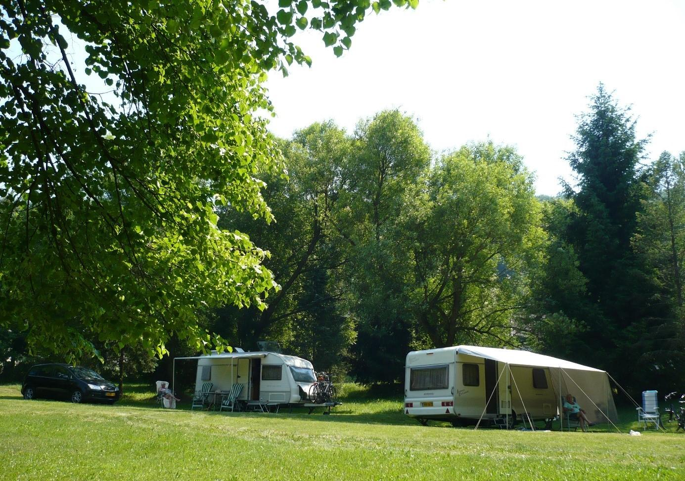 Forrás camping