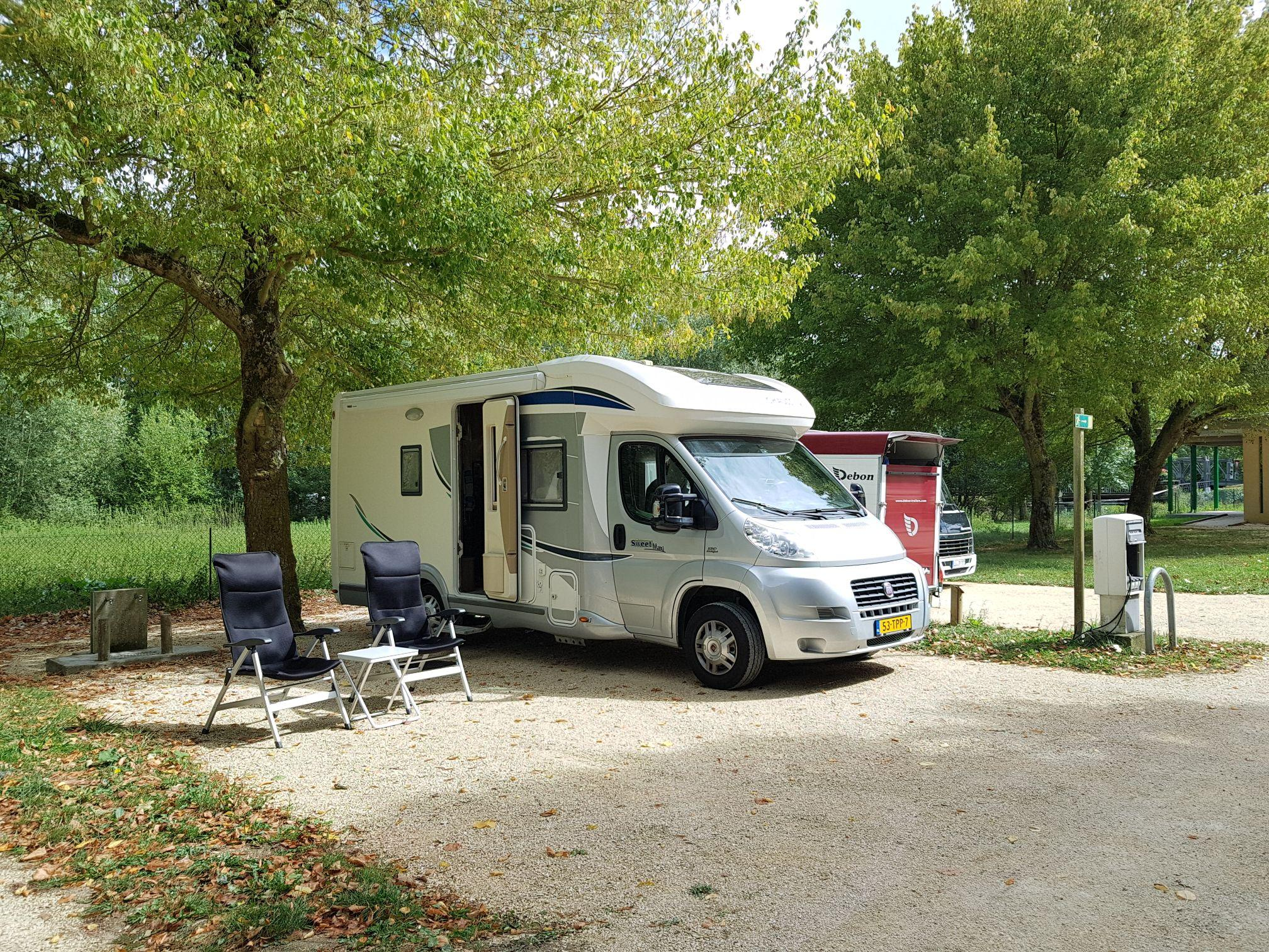 Aire Camping-car Park Of Reuilly